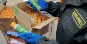 Coronavirus: gel spacciato per dispositivo medico. Sequestrati a Catania 5000 flaconi illegali